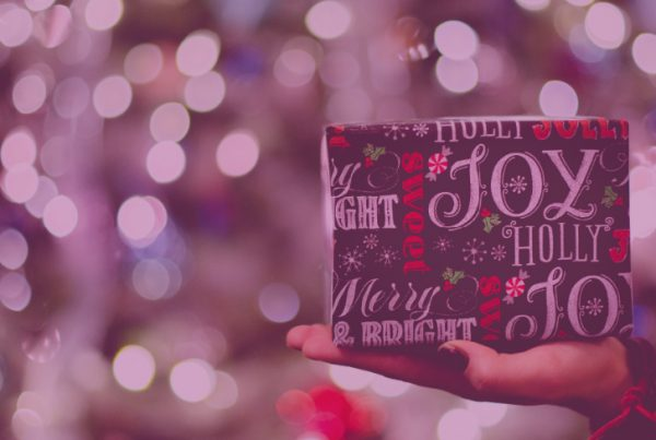 How to leverage digital gift guides to showcase your products this holiday season.
